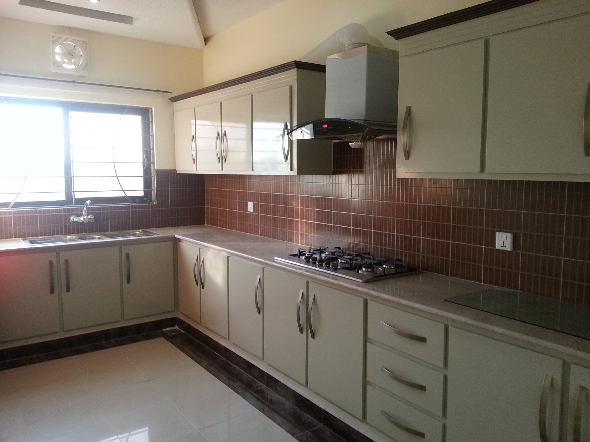 Furnished house in bahria town phase 3 islamabad for sale for Kitchen design in lahore pakistan